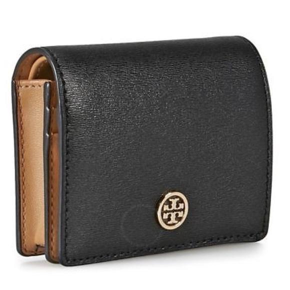 843770ba1ab6 Tory Burch Parker Foldable Mini Wallet. M 5a927c123a112eeb3626701c